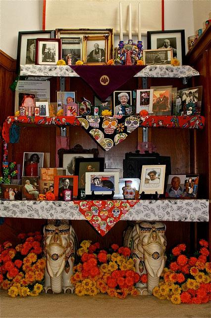 Obon-2010-altar-wide