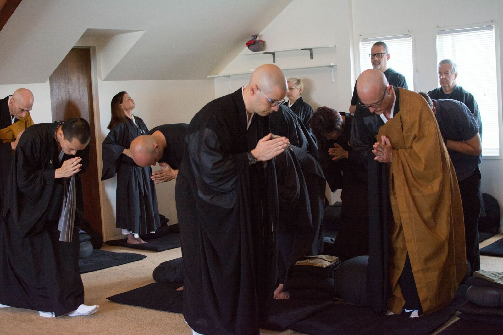 Juzen and Chudo bowing