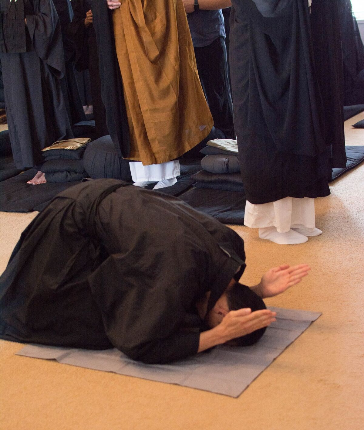 Juzen bowing1